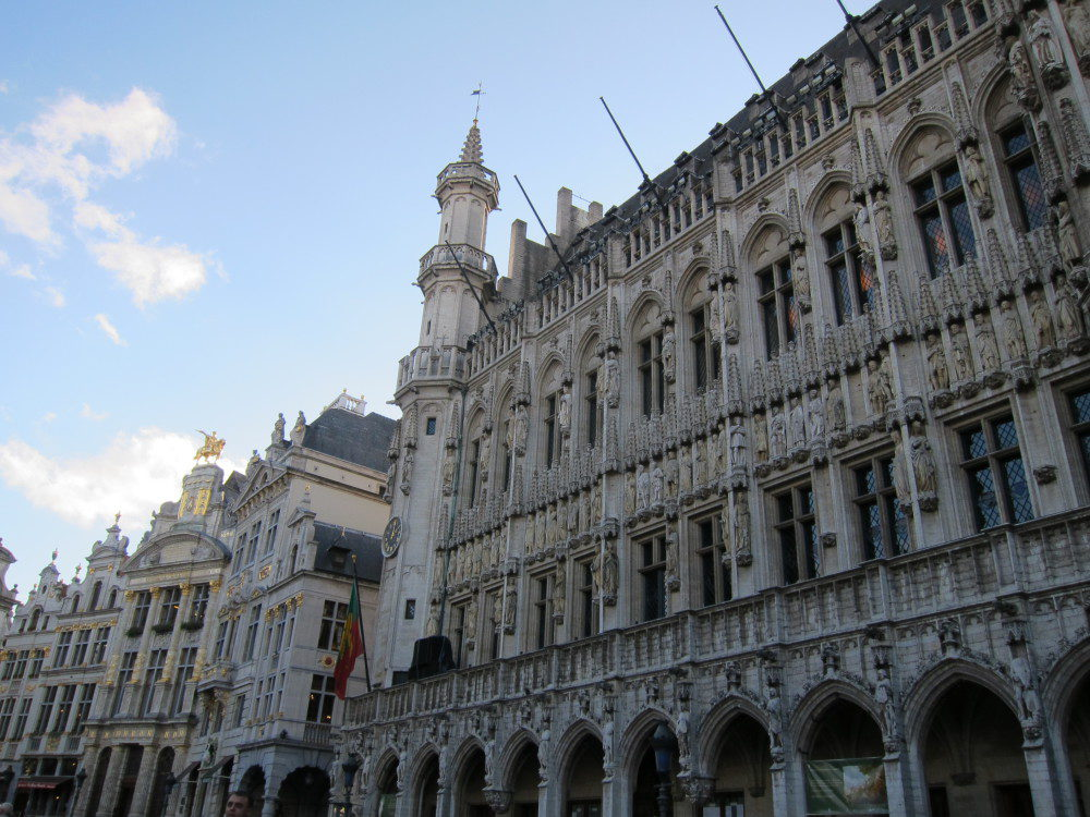 Grote Mrkt Brussels | www.rtwgirl.com