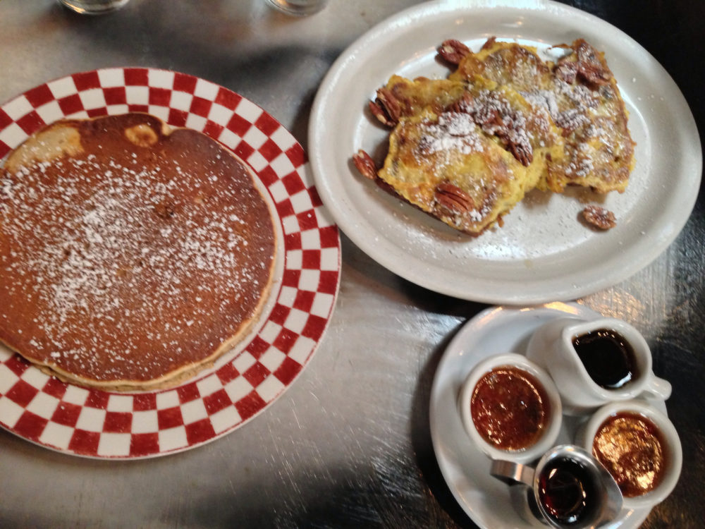 Dotties San Francisco Food Favorites | www.rtwgirl.com