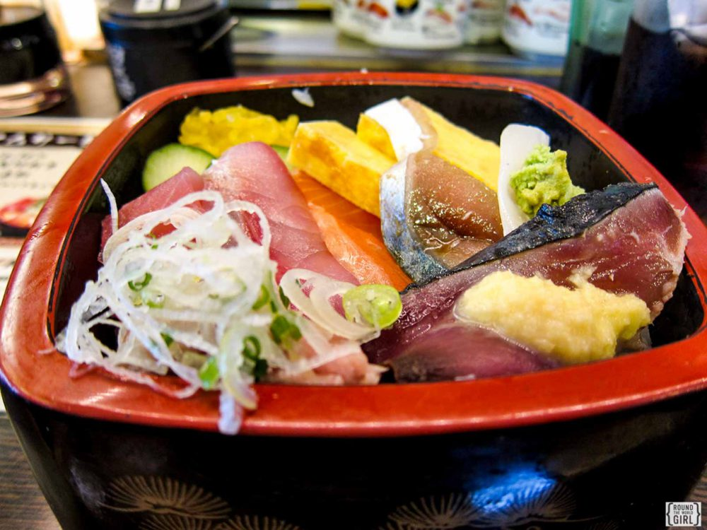 Eating Healthy When Traveling - Order Healthy Dishes Like Sushi | www.rtwgirl.com