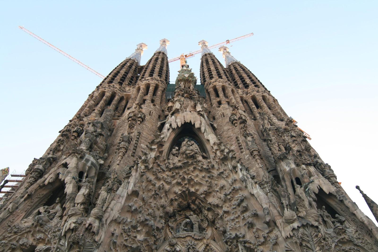 Sagrada Familia- Barcelona Inspiration   www.rtwgirl.com