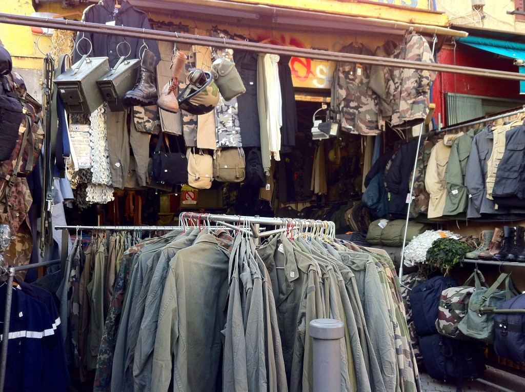 Saint Ouen Flea Market - Paris tips | www.rtwgirl.com