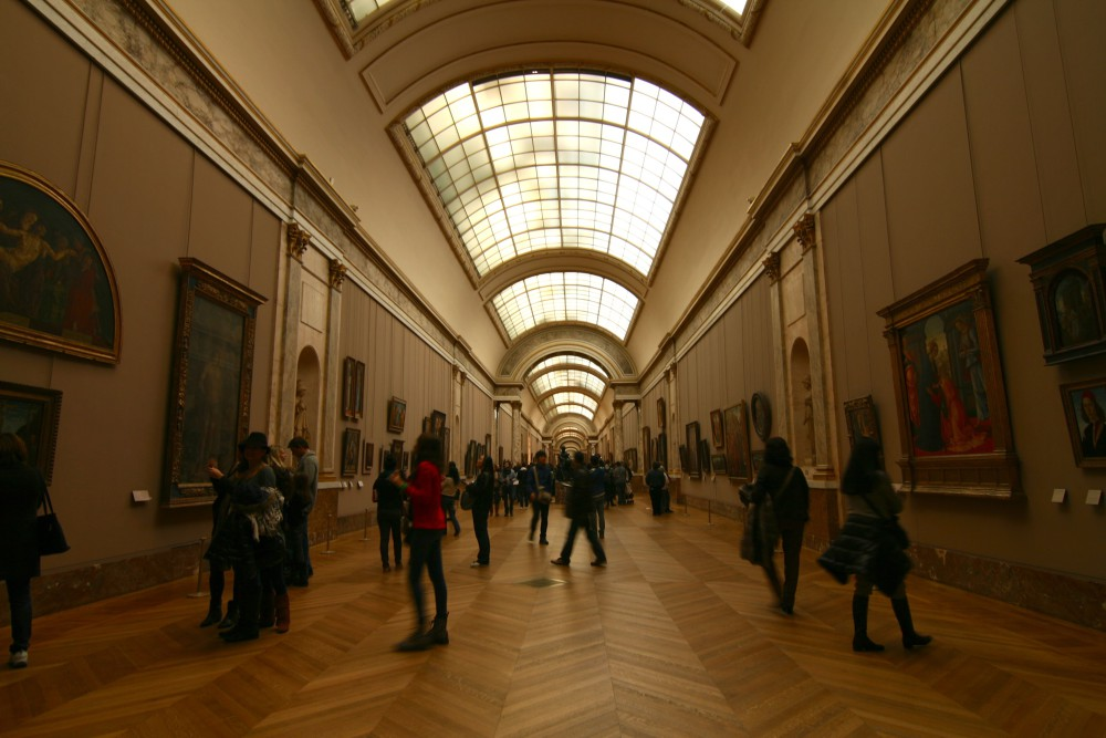 Louvre - Paris tips | www.rtwgirl.com