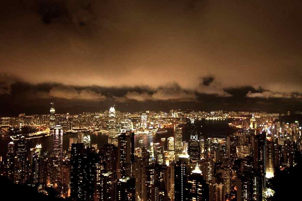 Victoria Peak Night View Hong Kong | www.rtwgirl.com