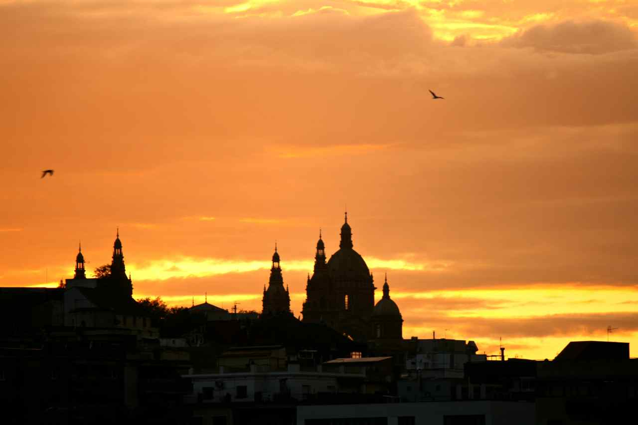 Sunset - Barcelona Inspiration   www.rtwgirl.com