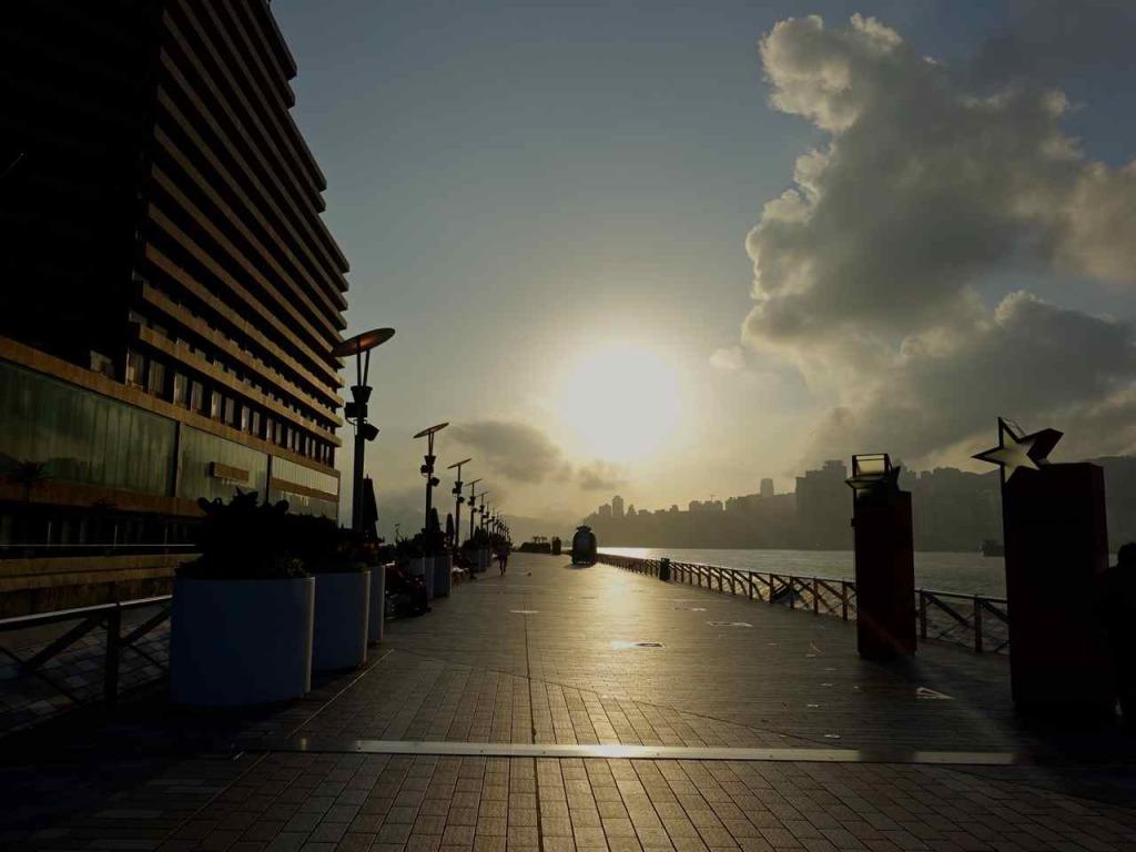 Avenue of Stars Hong Kong | www.rtwgirl.com