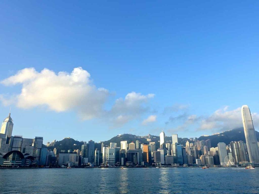 Hong Kong Harbour | www.rtwgirl.com