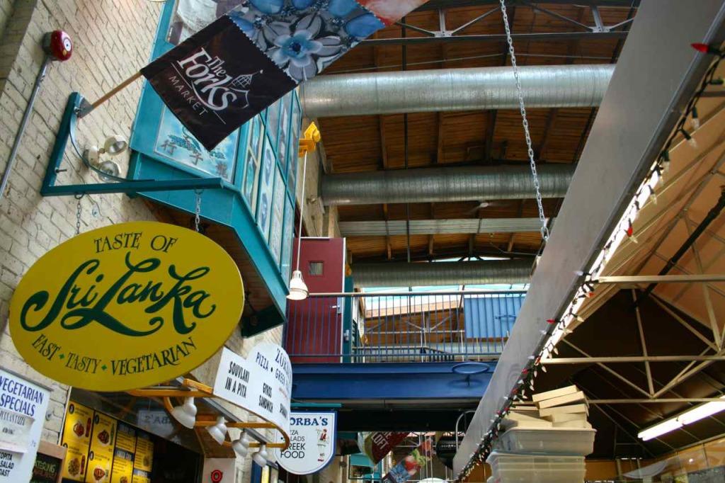 Winnipeg Forks Market | www.rtwgirl.com
