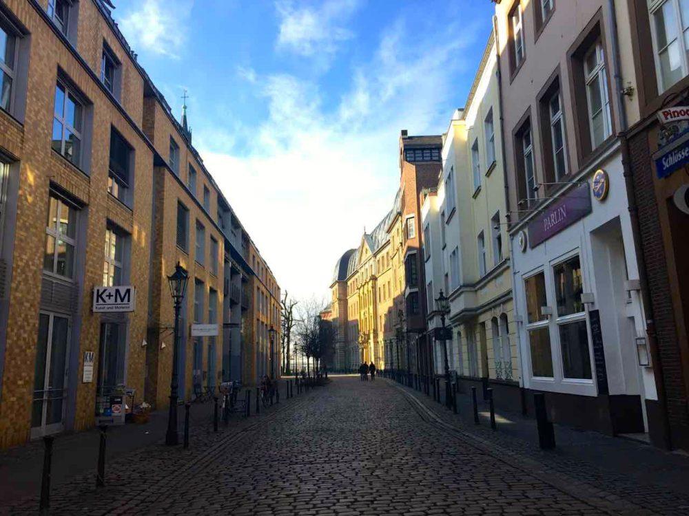Altstadt The Best Of Guide To Düsseldorf |www.rtwgirl.com