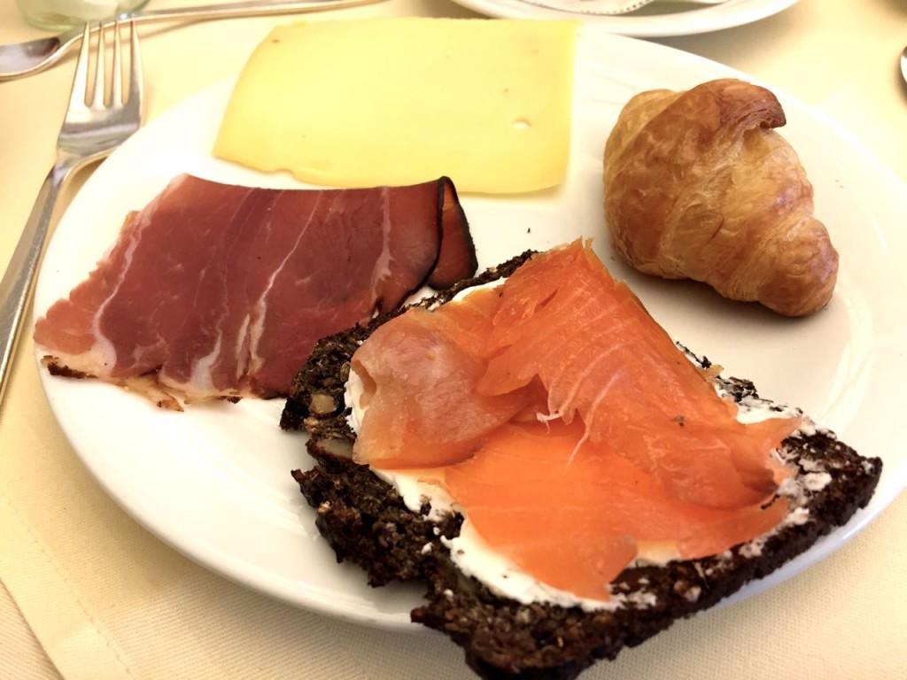 Steigenberger Parkhotel breakfast buffet