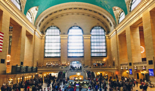 Grand Central Station - A New York Minute | www.rtwgirl.com