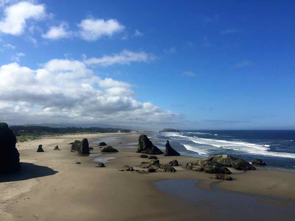 Face Rock State Scenic View Point in Bandon - Oregon Coast | http://www.rtwgirl.com