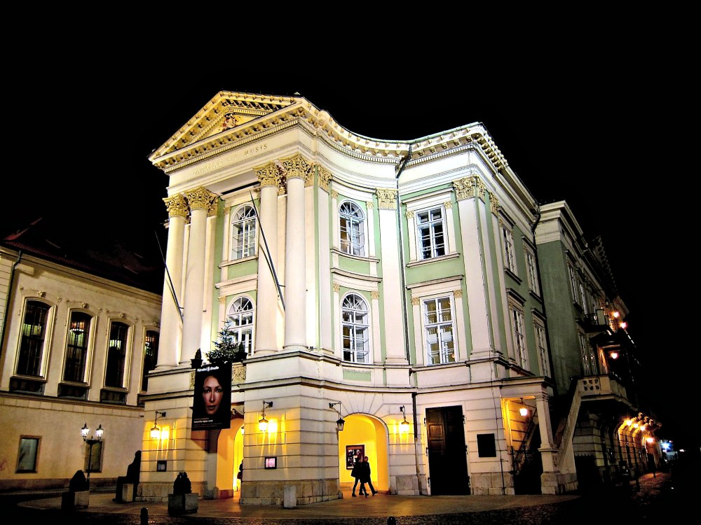 The Estates Theatre or Stavovske Divadlo Prague | www.rtwgirl.com
