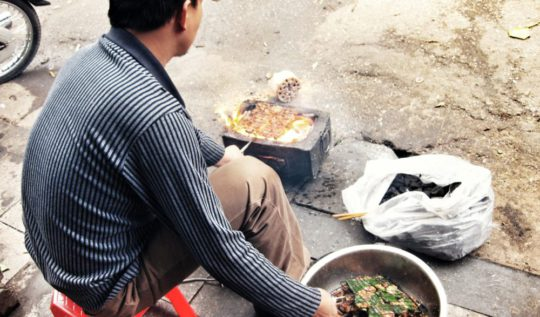 Hanoi Street Food | www.rtwgirl.com