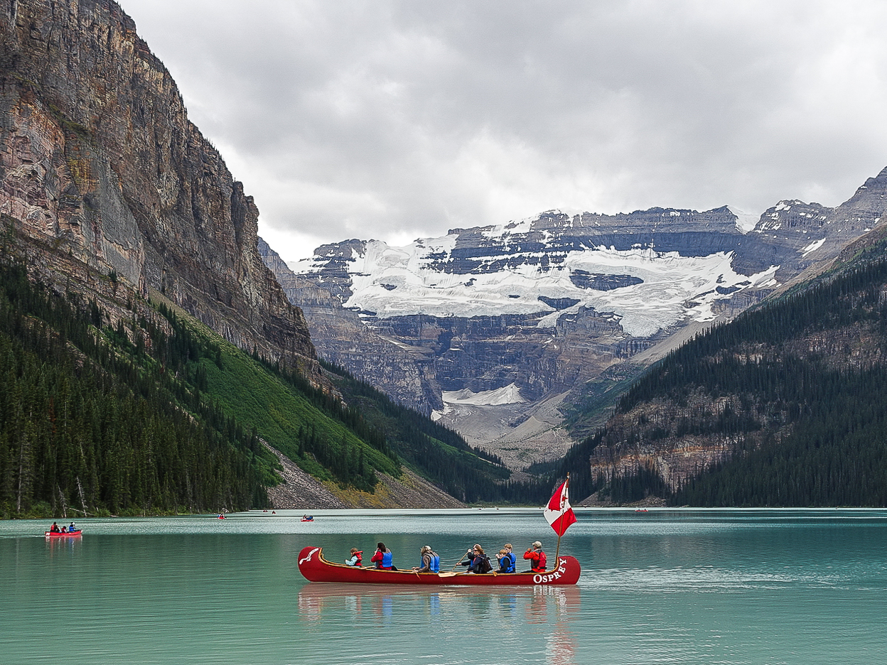 Lake Louise | www.rtwgirl.com