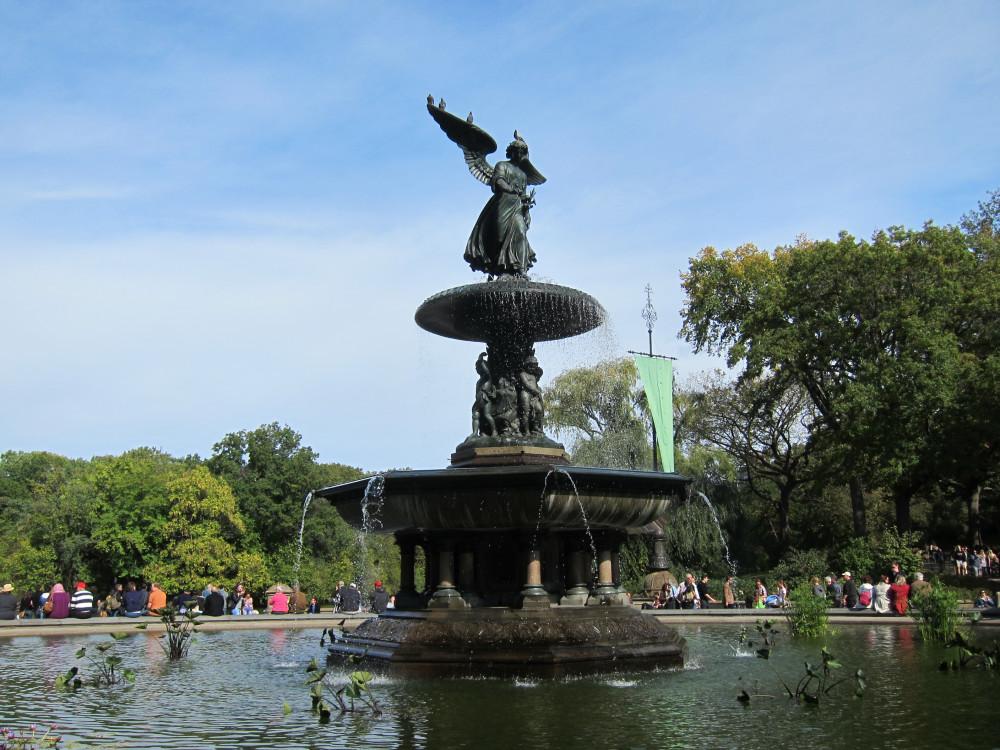 Central Park fountain - New York Photos | www.rtwgirl.com