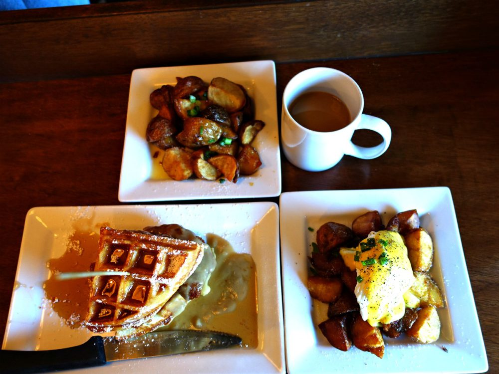Yolks Breakfast Vancouver| www.rtwgirl.com