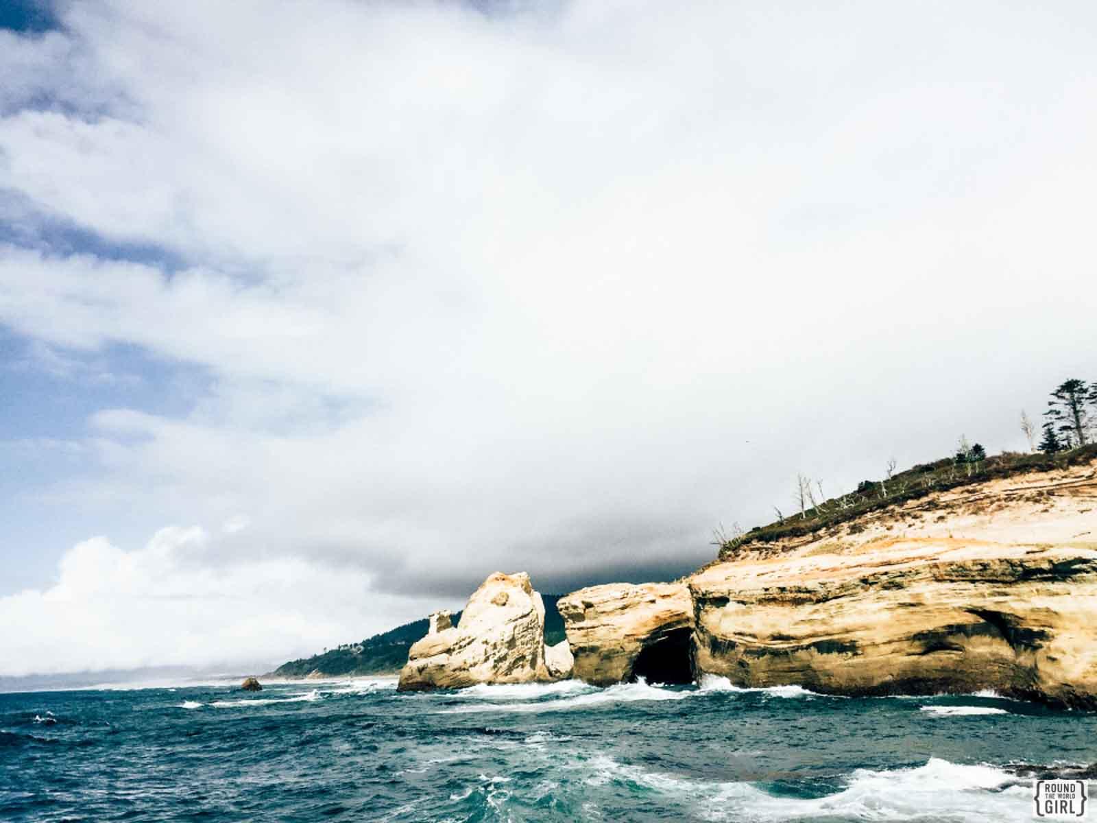 Cape Kiwanda Oregon |www.rtwgirl.com
