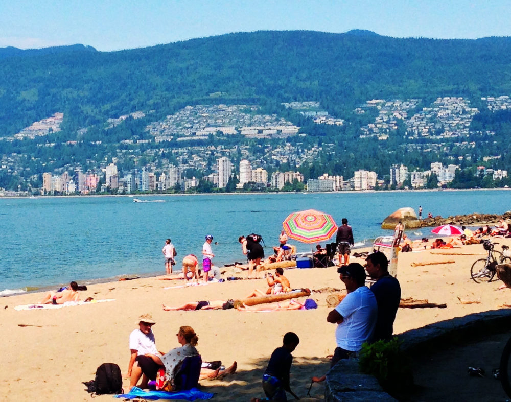 Vancouver Beaches - Second Beach | www.rtwgirl.com