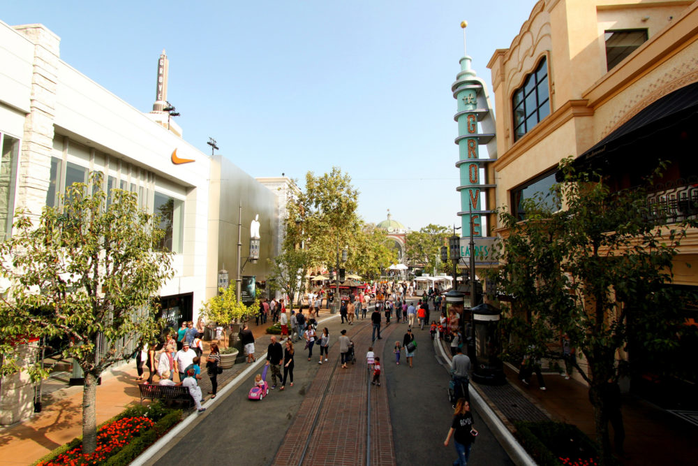 Los Angeles Girlfriend Getaway - Shopping At The Grove Los Angeles | www.rtwgirl.com