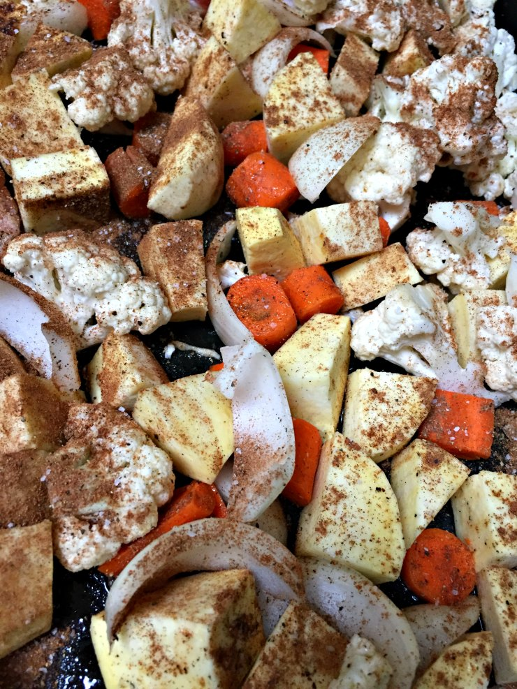 Veggies To Roast - Moroccan Roast Chicken | www.rtwgirl.com