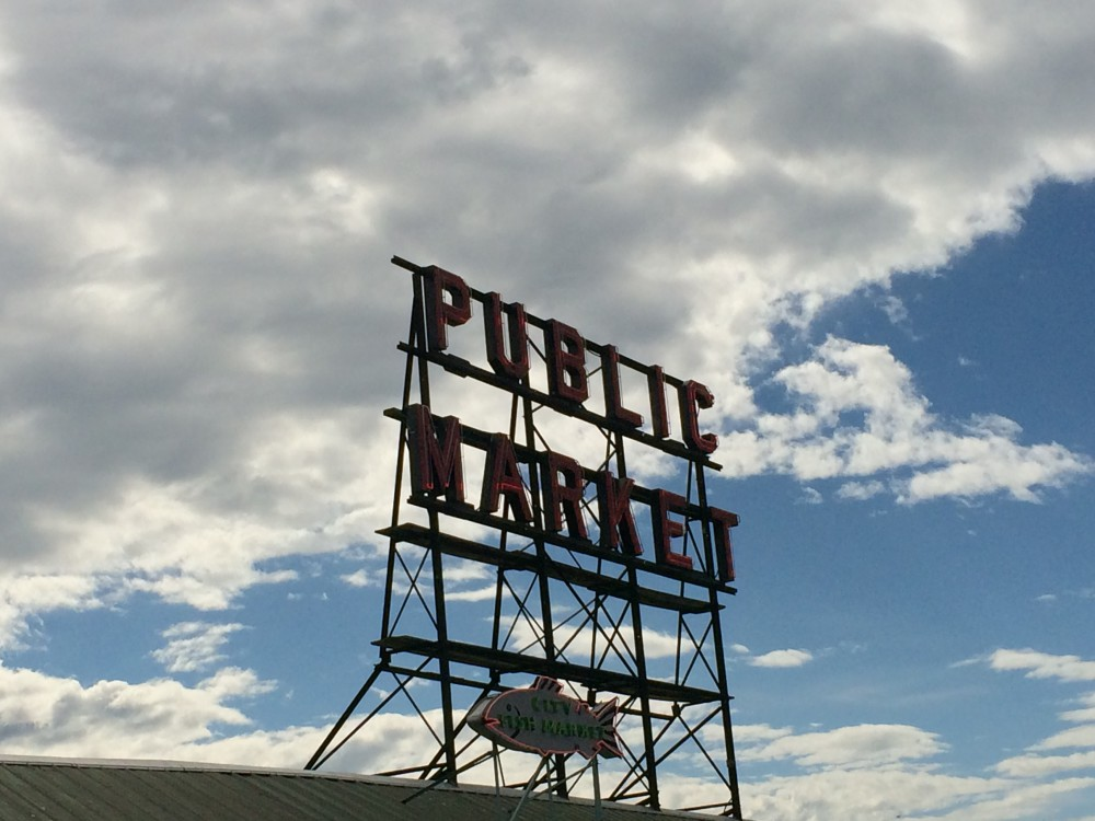 Seattle Day Trip - Pike Place Market | www.rtwgirl.com